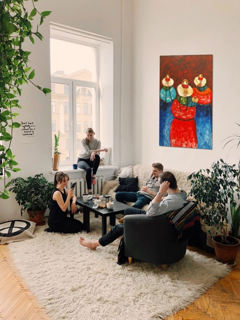 interieurfoto schilderij Everybody is Watching van James